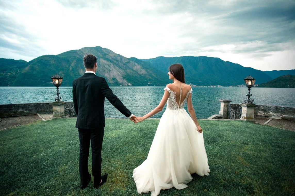 The Charm of a Wedding on the Lake